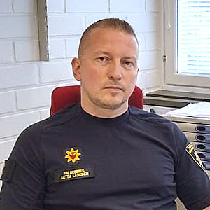 Paloesimies Arttu Lankinen